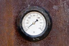Calibrador viejo de la temperatura Foto de archivo libre de regalías