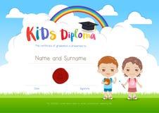 Calibre coloré de certificat de diplôme de colonie de vacances d'enfants dans le cartoo Photo libre de droits