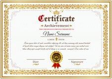Calibre de certificat de vecteur avec l'ornement d'or de vintage Photos libres de droits