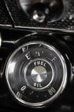 Calibre de combustível de um carro do vintage Fotos de Stock
