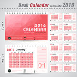 Calibre de conception de vecteur du calendrier de bureau 2016 avec le fond rouge de modèle d'abrégé sur triangle Ensemble de 12 m Photo stock