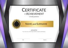 Calibre de luxe de certificat avec le cadre d'or élégant de frontière, Di Images libres de droits