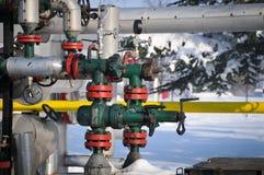 Calibre de pressão e bomba de petróleo da válvula Foto de Stock Royalty Free