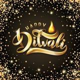 Calibre indien heureux de carte de voeux de festival de Diwali Dirigez le texte de fête Diwali de lettrage d'or avec la flamme Ef illustration stock