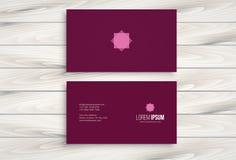 Calibre minimal de design de carte d'affaires avec le fond en bois Image libre de droits