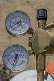 Calibres de pressão duplos dos tanques oxy do acetileno Foto de Stock Royalty Free