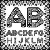 Calibres pour couper des lettres Alphabet anglais en entier Peut être employé pour la coupe de laser Lettres de fantaisie de dent Photographie stock