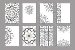 Calibres pour des cartes de visite professionnelle de salutation et de visite, brochures, couvertures avec des motifs floraux illustration stock