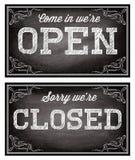 Calibres pour Open et style d'enseignes fermées le rétro Photo stock