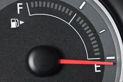 Calibro di combustibile con l'ago a vuoto Fotografia Stock Libera da Diritti