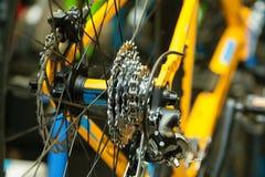 Calibro posteriore su una bicicletta del yelow Fotografia Stock Libera da Diritti