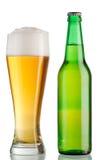Calice e bottiglia di birra Immagine Stock Libera da Diritti