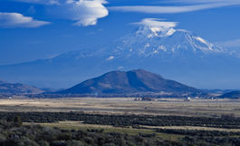 California Landscape, Mount Shasta. California Landscape: Mount Shasta and lenticular clouds Royalty Free Stock Images