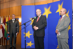 Calin Popescu Tariceanu en Jonathan Scheele Stock Afbeeldingen