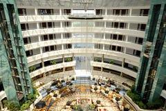 Calista有凡赛斯地毯的豪华旅游胜地旅馆大厅  免版税库存照片