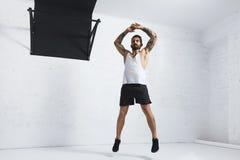 Calisthenic och bodyweightövningar royaltyfria foton