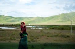 callï ¼ 的西藏妇女 免版税库存照片