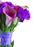 Calla lilly och eustomablommor Arkivfoto