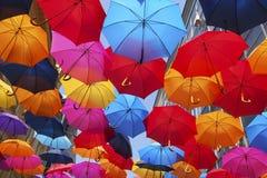 Calle adornada con los paraguas Imágenes de archivo libres de regalías