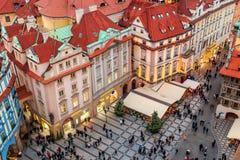 Calle adornada en el namesti de Staromestske en Praga Foto de archivo libre de regalías