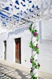 Calle adornada, pueblo de Redondo Fotografía de archivo