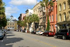 Calle amplia, Charleston, SC Imagen de archivo