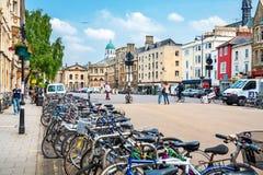 Calle amplia Oxford, Inglaterra foto de archivo
