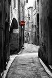 Calle antigua en la ciudad histórica de Perugia (Toscana, Italia) Fotos de archivo
