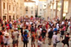 Calle apretada y gente borrosa en el movimiento Fotografía de archivo