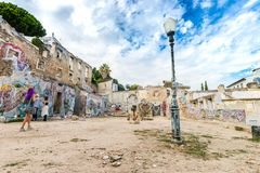 Calle Art In Lisbon, Portugal de Ruine de la pintada imágenes de archivo libres de regalías