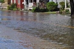Calle bajo las aguas de inundación Foto de archivo