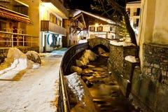 Calle central iluminada de Megeve Imagen de archivo libre de regalías