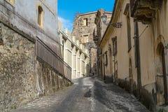 Calle Cobbled, Castiglione di Sicilia, Sicilia, Italia Foto de archivo