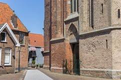 Calle Cobblestoned en la iglesia de Stephanus en Hasselt Fotografía de archivo libre de regalías