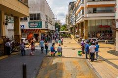 Calle comercial importante una de la ciudad fotos de archivo libres de regalías