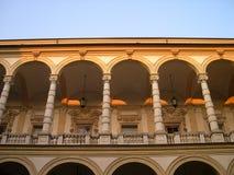 Calle con arcadas en Turín Imagenes de archivo