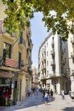 Calle con los edificios del vintage en Verona, Italia Foto de archivo