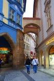 Calle cuarta vieja de Praga Fotos de archivo libres de regalías