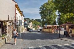 Calle de Andrey Kmet en Banska Stiavnica, Eslovaquia Imagenes de archivo