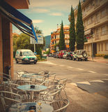 Calle de Avenida Pelegri en la ciudad de Tossa de Mar Fotografía de archivo libre de regalías
