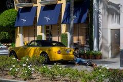 Calle de Beverly Hills famosa en tiempo de verano de California imagen de archivo libre de regalías