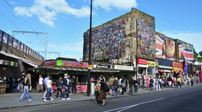 Calle de Camden en Londres, Reino Unido imagen de archivo libre de regalías