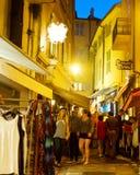 Calle de Cannes en la noche Imagenes de archivo