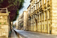 Calle de Cassaro en Palermo, Sicilia, Italia fotografía de archivo libre de regalías