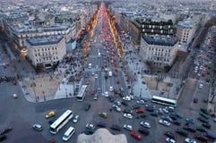 Calle de Champes Elises en París Imagen de archivo libre de regalías