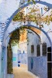 Calle de Chefchaouen, Marruecos Foto de archivo libre de regalías
