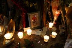 Calle 61 de David Bowie Memorial At 285 Lafayette Imagenes de archivo