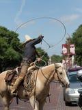 Calle de Demonstrating Circle On del cordelero del vaquero fotografía de archivo libre de regalías