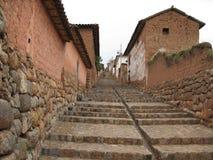 Calle de Escaleras en UNO-Pueblode Peru Stockbild