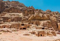 Calle de fachadas en la ciudad nabatean de petra Jordania Fotos de archivo libres de regalías
